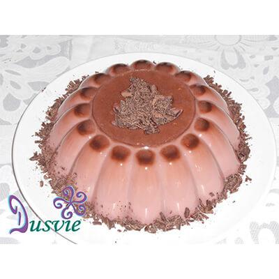 Foografía de una gelatina de chocolate con crema irlandesa