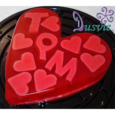 Gelatina de corazon con corazones adentro y letras