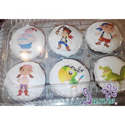 Pastel decorado con imagen comestible de jake y los piratas en oblea